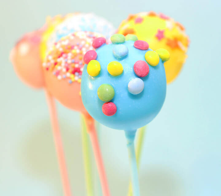 Baby Shower Favours - Craving cake pops?
